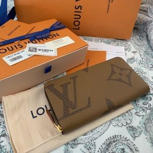 Louis Vuitton Giant Monogram Zippy Wallet